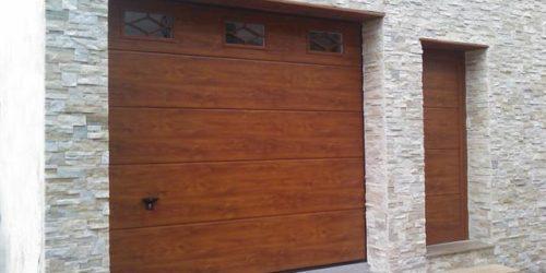 ¿Por qué nos encontramos en garajes comunitarios puertas que incumplen la normativa?